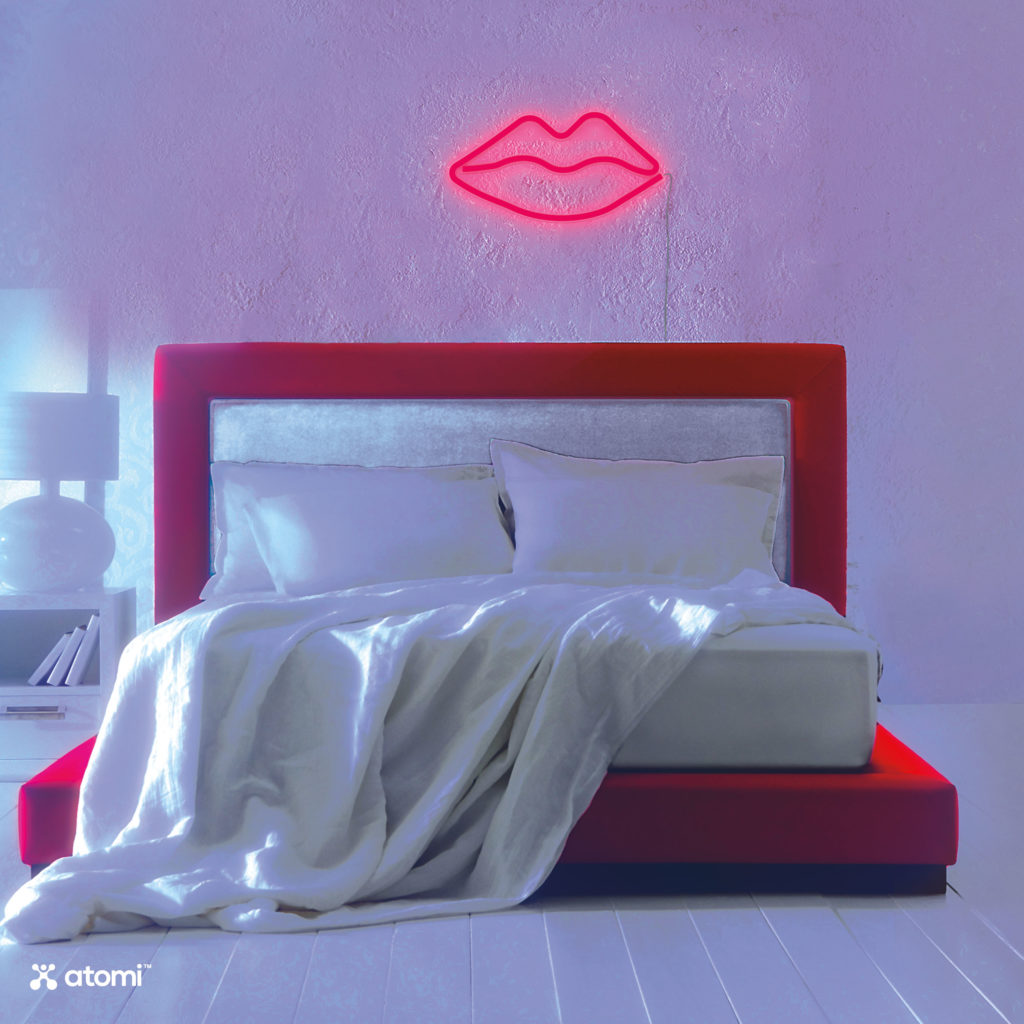 AT1403-Neon-LED-Wall-Art-Lips-02